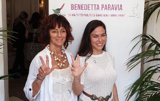 """ALTAROMA – BENEDETTA PARAVIA E LA SUA TV PER PARLARE DI """"DONNE"""" NEGLI EMIRATI ARABI"""